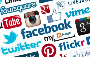 Las marcas aumentan por cinco su actividad en las redes sociales